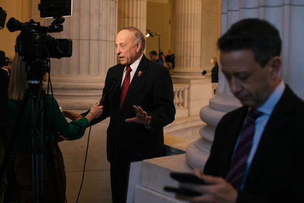 Representative Steve King has become an outcast among many mainstream Republicans, but his four primary challengers could split the vote.