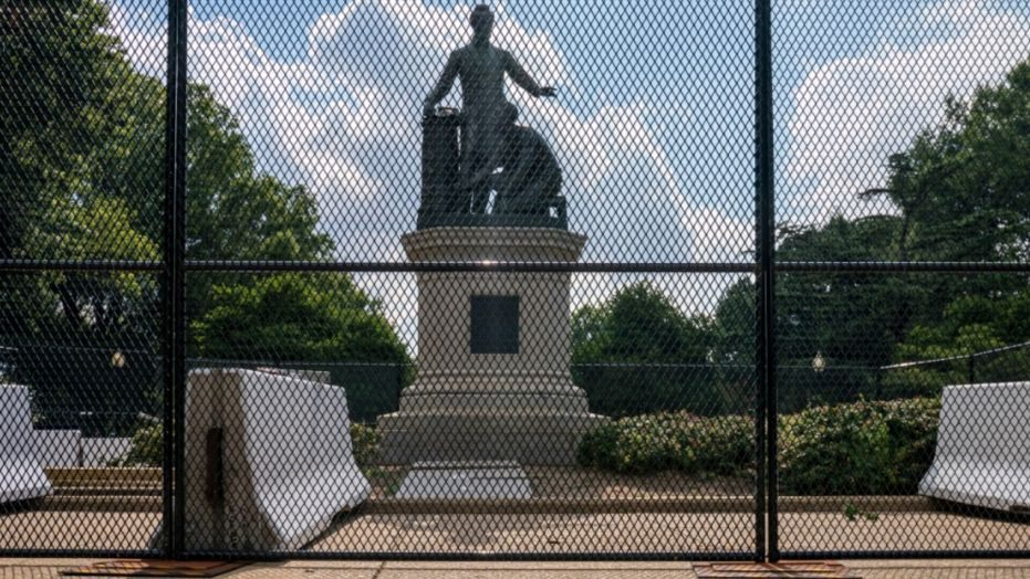 How will issue of monuments and statues impact 2020 campaigns?